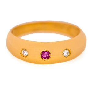 Handmade Ring in Yellow Gold 9kt with Zirconia